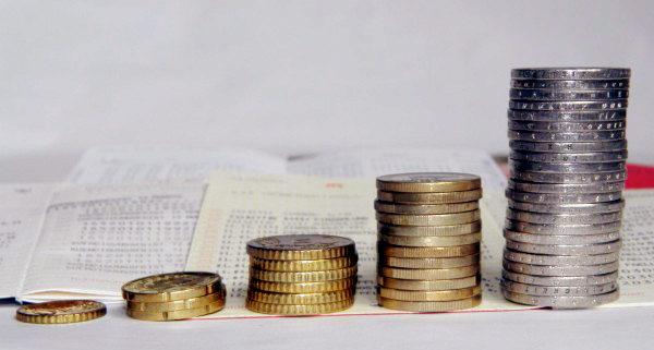 Türme aus Euromünzen