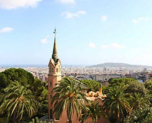 Blick über sonniges Barcelona